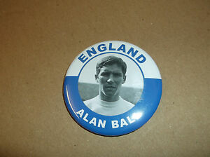 ALAN BALL  ENGLAND  MAGNET 55mm  IN SIZE