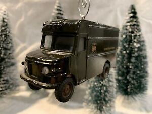 Christmas Ornament 1/55 UPS Parcel Service Delivery Truck Decoration Diorama