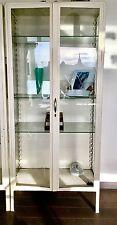 Deux armoires médicales vintages - Two authentic vintage medical cabinets