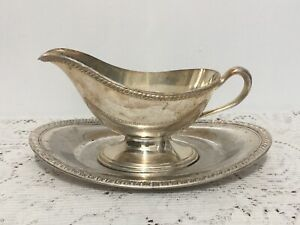 Vintage English Silver Mfg. Corp Silverplate Gravy Boat with Underplate T22