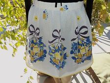 Vintage    Cute     Hipster  Apron    with   Yellow Roses