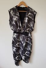 COUNTRY ROAD PRINT DRAPE FRONT DRESS --- SIZE 4