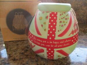 BNIB POT OF DREAMS Green & Red Ceramic Money Box