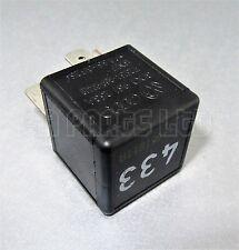 R169/ Audi VW Seat Negro relé 3D0951253A V23134-B59-X418 (No.433) 5-Pin SN7