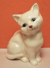Royal Doulton White Cat Sitting Kitten Figurine Perfect Blue Eyes Crown England