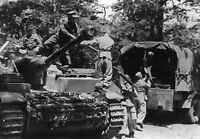 WWII photo Loading of ammunition in the German assault gun StuG IV on the It/42d