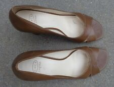 Joan & David brown leather   womens high heel shoes size 9 1/2 M used