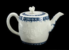 18th Century Worcester Blue and White Porcelain  Teapot, Barrel shape