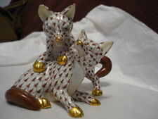 Herend 2 foxes playing, chocolate fishnet RARE, hard to find!