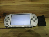 Sony PSP 1000 Console Silver w/battery pack Japan m352