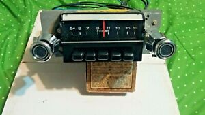1972 1973 Ford Galaxie AM radio  C-D2AA-18806 serviced excellent