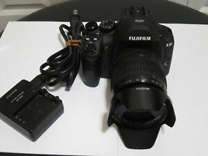 FUJIFILM X-S1 12MP Camera with Fujinon F2.8 to F5.6 Telephoto Lens