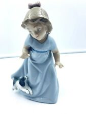 """Nao Lladro Spain Figurine Daisa Girl Playing with Puppy 7"""" tall"""