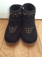 $ 750 Golden Goose Deluxe Drand Black Suede Ankle Boots size 39