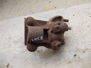 John Deere plow rolling rollin cutter mounting holder bracket to plow B267
