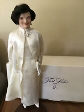 """Jacqueline Kennedy 21"""" Porcelain Doll W/Stand By D. Mint/First Ladies Collection"""