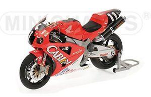 MINICHAMPS 122 011446 HONDA VTR1000 motorbike Rossi & Edwards Suzuka 2001 1:12th