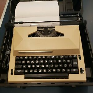Sears The Scholar Typewriter 161.53772 Vintage With Correction