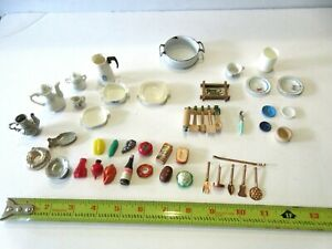 Dollhouse miniature lot of kitchen items  (40 pieces)  food, cookware, utensils