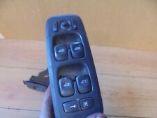 VOLVO V70 2002 DRIVER AND PASSENGER FRONT WINDOW SWITCHES 30658116 / 30658117