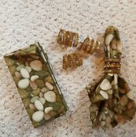 SET OF 4 VINTAGE BEAD AND COPPER  NAPKIN RING HOLDERS W/COMPLIMENTARY NAPKINS