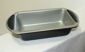 """Cuisinart Easy Grip 9"""" Non-Stick Loaf Pan Bakeware SMB-9LP,Silicone Grip Handles"""