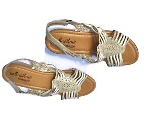 Size 10M sandals Walk With Me by Coldwater Creek tan and white Women's Summer