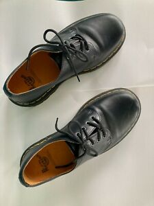 Dr Martens Black 1561 4 Eye Oxford US Size 9 Mens Preowned