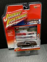 Johnny Lightning Muscle Cars 1969 Olds Cutlass NEW