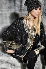 Taillenlange 3/4 Arm Damen-Pullover mit mittlerer Strickart und Knöpfen