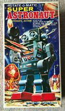 VINTAGE SJM ROTATE-O-MATIC SUPER ASTRONAUT ROBOT TIN TOY w/BOX WORKS TAIWAN