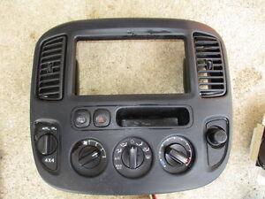 01 02 03 04 Ford Escape 4x4 SWITCH Heater AC Control Dash Bezel HVAC COMPLETE