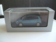 Minichamps in 1:43   VW Golf Plus in blau metallic