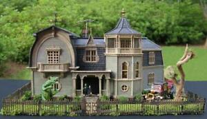 MUNSTERS HOUSE MOEBIUS~BUILT BUILDING~HAUNTED HOUSE~MODEL KIT~1:87 HO SCALE