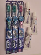 3 ORAL-B 3D WHITE VIVID TOOTHBRUSH+ 3 CREST 3D WHITE BRILLIANCE TOOTHPASTE 0.85