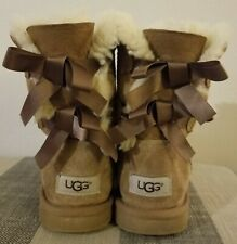 Uggs with Bows Size 4 youth camel brown F26017K