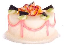 Dollhouse Miniature Vanilla Fondant Cake by Falcon Miniatures