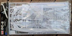 1:144 Minicraft DC-8 Plastic Model Kit