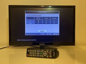 "Samsung 22"" HD LED TV flatscreen UE22D5003BW black television Plus Remote"