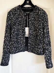 NEW $4550 CHANEL 19B BLACK WHITE TWEED CC BUTTONS JACKET 40