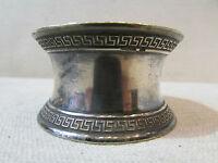 ancien rond de serviette en metal argenté poincon decor a la grecque christofle