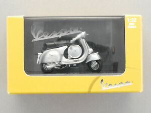 New Ray 06046 Vespa 150 GS 1955 Motor Scooter Diecast 1:3 2 New Boxed 1610-01-58
