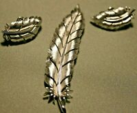 Vintage Trifari Designer Signed Brooch Earring 3 Piece Set Silver Tone