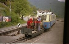 PHOTO  SWITZERLAND MONTREUX 1988 TRAM MGN 206 WITH WAGON AND SUITCASES