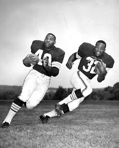 HALL OF FAMERS JIM BROWN & BOBBY MITCHELL CLEVELAND BROWNS GREATS 8X10  PHOTO