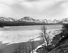 Black & White ice cover lake w/mountains 5 X 7 picture.
