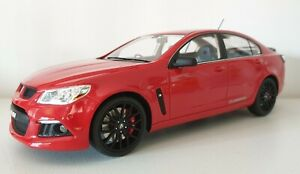 1:18 Scale Apex Replicas 2013 Holden HSV Gen- F Clubsport R8 SV - Sting Red