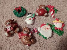 LOT OF 8 CHRISTMAS DECOR REFRIGERATOR MAGNETS AND 7 RED CHRISTMAS DECOR APPLES