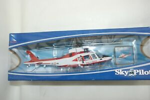 NEW RAY 1:43 AUGUSTA WESTLAND AW109 POWER HELICOPTER