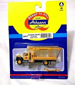 Athearn Canadian Pacific Ford F-850 Boom Truck #96812 HO 1:87 Scale